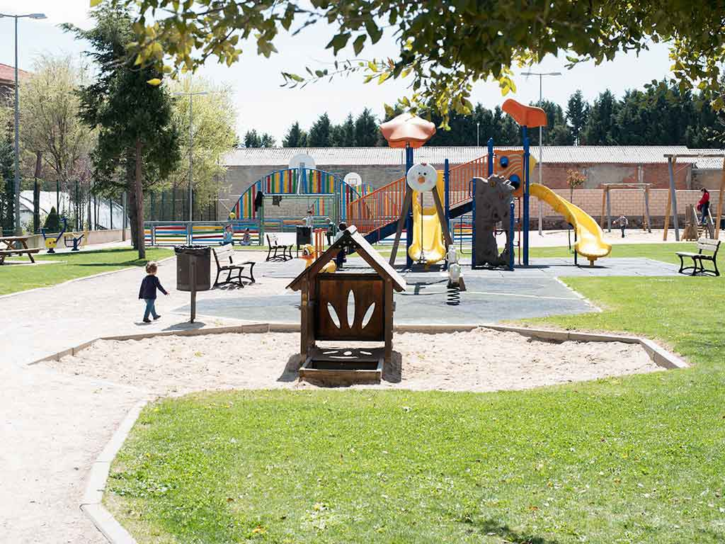 Parque infantil junto al Museo del Chocolate de Astorga
