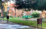 El Ayuntamiento de León no abrirá de momento los parques infantiles