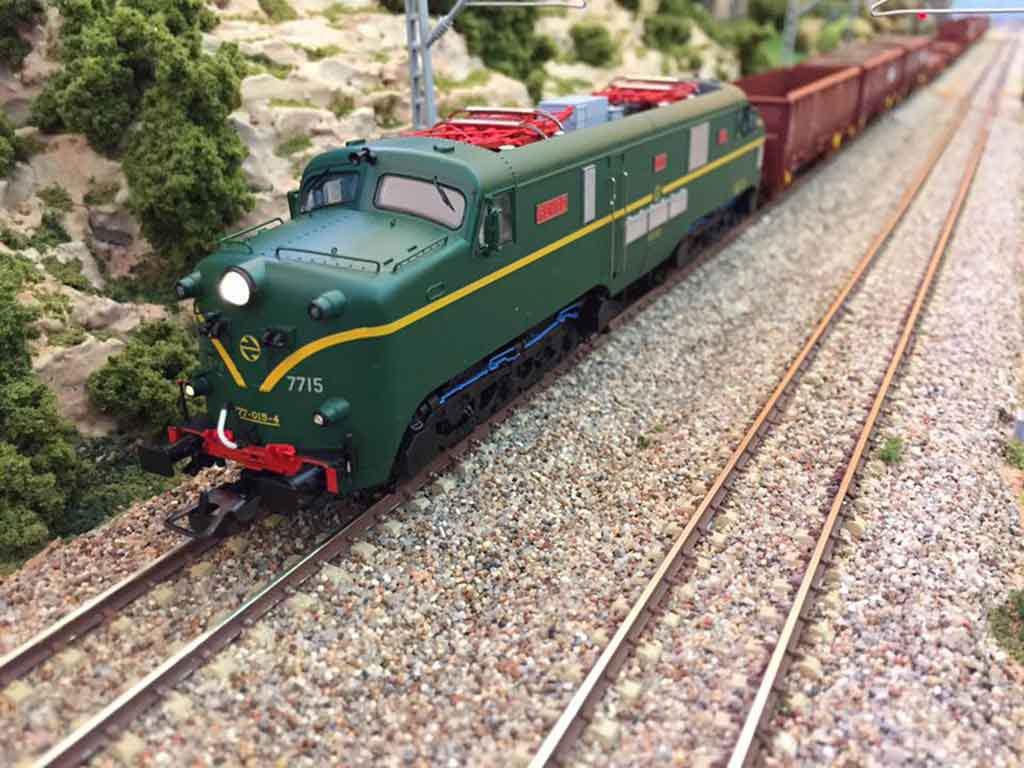 Maqueta de tren de Model Switcher's Club