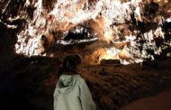 Visita a la Cueva de Valporquero en familia