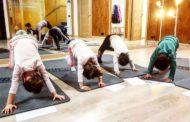 Trabajo físico, gestión emocional y relajación. Así es una clase de yoga para niños con Handle with care